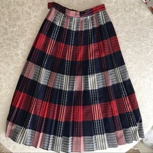 Vintage .Red/white/blue pleated wool skirt